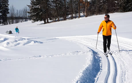 track cross country skiing